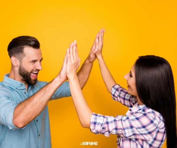 Ngừng tự nói chuyện tiêu cực bằng cách giúp đỡ người khác